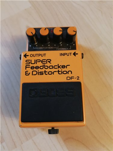 Boss DF-2  Feedbacker Distortion  Bodeneffektgerät 2