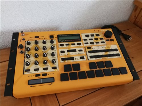 E-MU XL-7 Commandstation