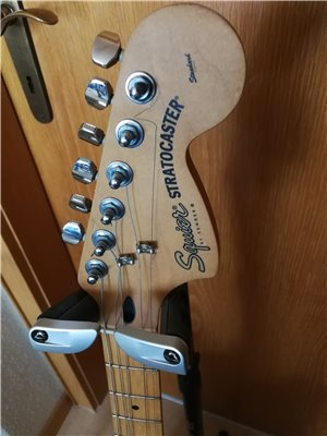 squier-midi-guitar-05
