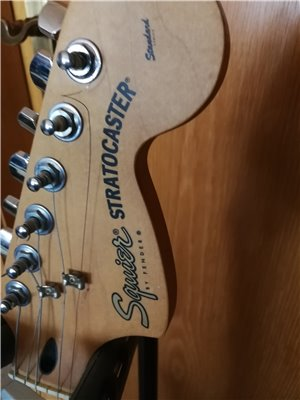 squier-midi-guitar-06
