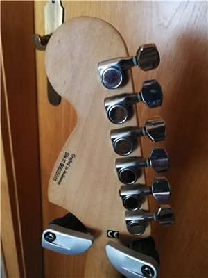 squier-midi-guitar-07