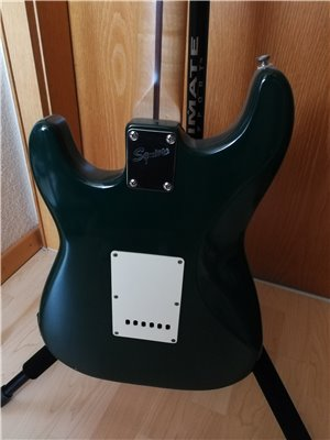 squier-midi-guitar-09